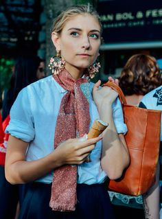 How to Wear Giant Earrings - Street Style, Tommy Ton, J. Easy Style, Mode Cool, Look Fashion, Womens Fashion, Milan Fashion, Fashion 2015, Looks Street Style, Inspiration Mode, Fashion Inspiration