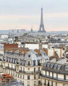 The blue of Paris
