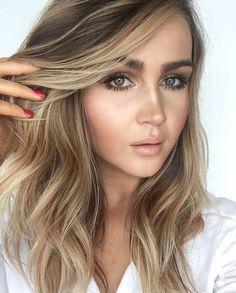 Balayage and perfect eye makeup Bronde Hair, Balayage Hair, Ombre Hair, Bayalage, Love Hair, Great Hair, Gorgeous Hair, Grey Balayage, Sombre Blond