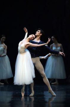 """<<Svetlana Zakharova as Giselle and Roberto Bolle as Albrecht in """"Giselle"""" (La Scala Ballet, 2016)>> #balletskirt"""