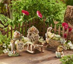 Miniature-Dollhouse-FAIRY-GARDEN-Mini-World-New-Baby-5pc-Gift-Boxed-Set-NEW