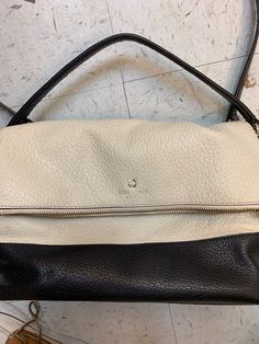 Kate spade love it purse . Kate Spade Totes, Kate Spade Tote Bag, Tote Bags, Purses, Handbags, Tote Bag, Totes, Purse, Bags