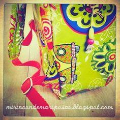 Una mochila de hule con asas acolchadas regulables - tutorial
