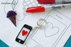 Young artists love Shrinky Dinks! A choice of templates, artwork, an inkjet printer and oven make creating Shrinky Dinks jewelry and accessories fun.