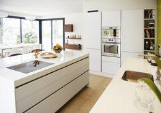 Cuisine contemporaine réalisée par ARTEK Aix-en-Provence, architecture d'intérieur