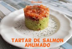 Canapes Salmon, Salmon Y Aguacate, Cocina Light, Guacamole, Tapas, Mexican, Pudding, Lunch, Cooking