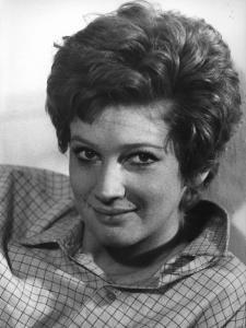 """Fotografia del film """"Cuore di mamma"""" - Regia Salvatore Samperi 1969 - Primo piano dell'attrice Carla Gravina."""