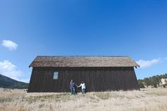 Engagement Photos || Evergreen Colorado || Country Barn || wearemattandjess.com