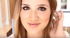 1. Rimming The Waterline | 17 Great Eyeliner Hack for Makeup Junkies | Makeup Tutorial