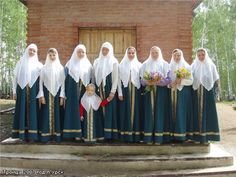 Old Believers, Headscarves, Russian Orthodox, Married Woman, Modest Dresses, Modest Fashion, Jesus Christ, Dressing, Christian