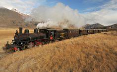 "Tren a vapor ""La Trochita"" o ""Viejo Expreso Patagónico"" en Chubut, en Esquel, Ruta 40"