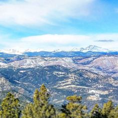 The Indian Peaks of Colorado Rockies were named after Native American tribes: Apache Navajo Pawnee Arapaho Shoshoni... and they're all breathtaking.  #indianpeaks #indianpeakswilderness #greenmountain #boulder #visitboulder #boulderosmp #colorado #visitcolorado #coloradolive #cometolife #rockies #mountains #vuoret #travel #matka #reissu #nordicnomads (via Instagram)