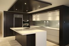 Simple modern kitchen cabinets small contemporary kitchen kitchen simple modern kitchen design ideas with regard to . Small Kitchen Cabinets, Kitchen Cabinet Design, Interior Design Kitchen, Small Modern Kitchens, Cool Kitchens, Kitchen Modern, Contemporary Kitchen Design, Modern House Design, Modern Contemporary
