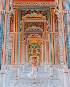 Best Rajasthan itinerary on board India's top luxury train: Palace on Wheels - Where life is great - Adventure Travel Destinations India Travel Guide, Asia Travel, Jaipur Travel, Indian Architecture, Garden Architecture, Visit India, Jaisalmer, North India, Wanderlust Travel