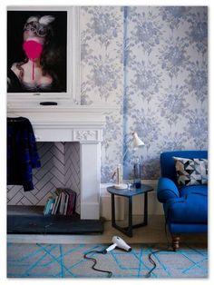 Living room wallpaper – Wallpaper for living room – Grey wallpaper Room Colors, Beautiful Living Rooms, Room Wallpaper, Living Room Trends, Interior, Best Living Room Wallpaper, Wallpaper For Home Wall, Interior Styling, Room Wallpaper Designs