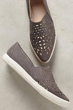 e73d3f99b94e 53 Comfort Shoes Trending Today  sneakers  flats  shoes  slips