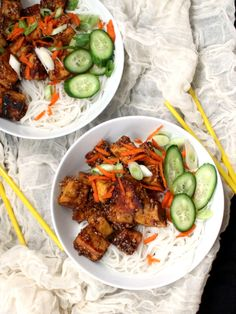 Try this Vegan Crack Chilli Tofu Noodle Bowl and you'll be hooked for good. Cubes of flavorful, golden-brown tofu, crispy outside and soft inside, are served on a bed of rice noodles with lots of fresh veggies on the side. A gluten-free and nut-free recipe.