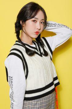 Girlfriend School Look 여자친구 스쿨룩 Kpop Girl Groups, Korean Girl Groups, Kpop Girls, Korean Beauty Girls, Asian Beauty, Girl Group Pictures, Sinb Gfriend, Pretty Asian, G Friend