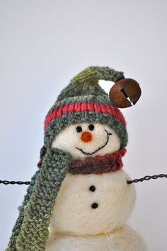 needle felted snowmen. Crochet or knit a hat and scarf