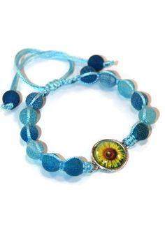 Agate Floral Boho Bracelet Bracelet by MaKatarinaCorner #bohobracelet , #bohojewelry , #shamballabracelet, #floralbracelet , #agatebracelet , #macramebracelet, #wrapbracelet, #bohochic, #bohostyle