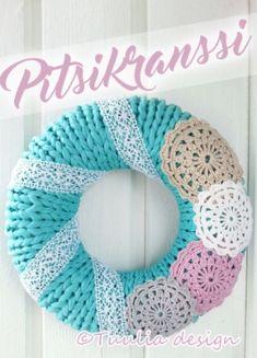 Neulominen | Tuulia design. Iloa & Ideaa askarteluun ja käsitöihin! Door Wreaths, Knitting Yarn, Burlap Wreath, Little Ones, Diy And Crafts, Crochet Necklace, Projects To Try, Shabby Chic, Crafty
