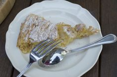 If you are not Greek and you have no idea what Bougatsa is, you can read a description here. For this post, I write 'Bougatsa' with inverted commas because this is not ACTUALLY 'Bougatsa' but my fa. Greek Desserts, Desserts To Make, Greek Recipes, Vegan Recipes, Cooking Recipes, Bougatsa Recipe, Cake Recipes, Dessert Recipes, Filo Pastry