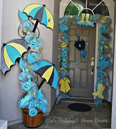 April Showers Door Decor. would be so cute as a bulletin board display!