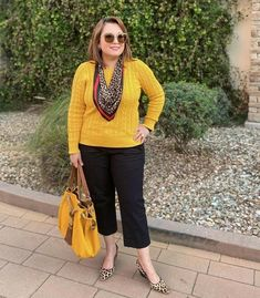 How to wear yellow and brighten up your day! We gives you lots of outfit ideas and color combinations! Lauren Hutton, Autumn Winter Fashion, Winter Style, Color Combinations, Casual Dresses, Dressing, Fashion Outfits, Yellow, My Style