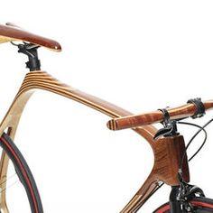 Cykeln som du garanterat får träsmak i rumpan av. Handbyggd i ask, mahogny och kolfiber | Tjock / Garaget Cycling Quotes, Cycling Art, Velo Beach Cruiser, Beach Cruisers, Cycle Chic, Women's Cycling Jersey, Cycling Jerseys, Motorized Bicycle, Mountain Biking