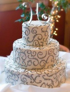 Pictures of Winter Wedding Cakes [Slideshow]