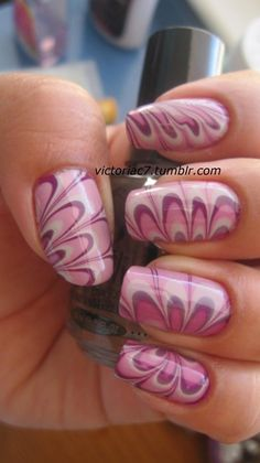 i really like the design on this water marbling...wish mine turned out that well!