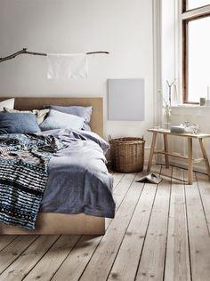 autumn mood in the bedroom - grey, wood, rattan, textile