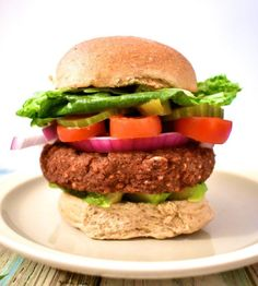 Ultimate Vegan Burger – The Plant Based Difference eBook Ultimate Vegan Burger – Der pflanzliche Unterschied eBook Vegan Bbq Recipes, Best Gluten Free Recipes, Vegan Dessert Recipes, Burger Recipes, Vegan Dinners, Lunch Recipes, Healthy Recipes, Delicious Recipes, Plant Based Burgers