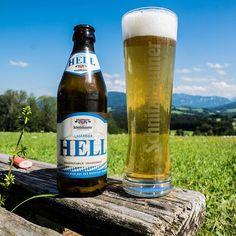 Was gibt's schöneres als nach'm Aufstieg a gscheids Bier zu genießen? 😍 #derbestelohn #biersport #berggeh #traunstein #schnitzlbaumer #schnitzei #heimatbrauer #ausliebezumbier #bierliebe #bayerischesbier #bayern #bavarianbeer #heimatbrauer #traunstein #chiemsee #chiemgau #rosenheim #salzburg #bavaria #heimatbrauer #brewery #brewer #beer #beerblog #bier #beertography #beersofinstagram #brauer Salzburg, Beer Bottle, Mugs, Drinks, Instagram, Brewery, Bavaria, Nice Asses, Drinking