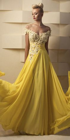 Flowing Tulle & Chiffon Off-the-shoulder A-Line Prom Dresses With Beaded Lace Appliques