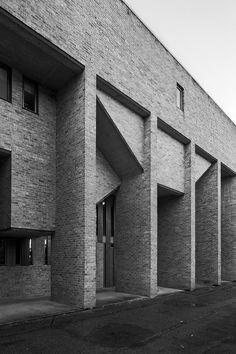http://new-brutalism.tumblr.com/post/153440773871/harvey-court-cambridge-university-2-1961-62