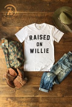 Let's get back to the basics ~ Waylon and Willie and the boys. Women's Western Wear. Retro look. Rodeo Outfits, Country Outfits, Western Outfits, Cute Outfits, Western Dresses, Country Fashion, Western Chic, Western Wear, Western Boots