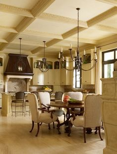 Looking for design ideas and tips? Luxe Interiors + Designs has a huge library of the latest trends in luxurious home designs from across the United States. Beautiful Kitchens, Beautiful Interiors, Beautiful Homes, Interior Design Gallery, Design Interiors, Home Kitchens, French Kitchens, Country Kitchen, Kitchen Interior