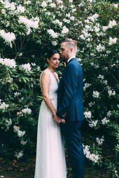 Fotos: Willst du mit mir gehen? Location: Villa Blumenfisch Brautkleid: Kaviar Gauche Blumen: Blumenbett Flowerwall wedding
