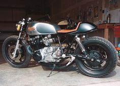 Nicely executed seat hump - cafe racer