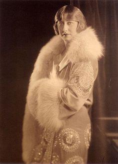 Model in evening wear, 1925. Photo by Strauss-Peyton.