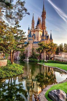Cinderella's Castle, Tokyo Disneyland, Japan by David Edenfield. Will be Amelie's THIRD Disneyland park visited. Tokyo Disneyland, Disneyland Castle, Beautiful Castles, Beautiful Places, Disney Parks, Walt Disney World, Voyage Disney, Places Around The World, Around The Worlds
