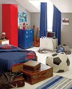 Football-inspired teenage boy's room with a combo of vintage and modern details
