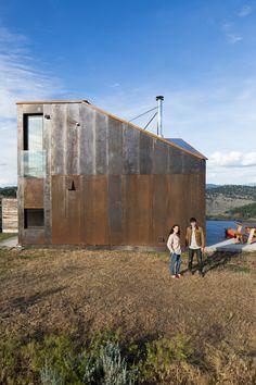 Off-the-Grid Prefab Cabin by Jesse Garlick   iGNANT.de