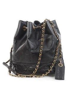91eb8156af19 Chanel vintage handbag. #chanelhandbags Kate Spade Handbags, Versace  Handbags, Best Handbags,