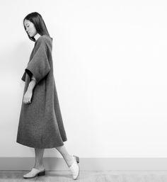 Minimal Dress - chic minimalist style, modern tailoring // Maria Van Nguyen