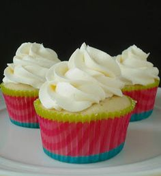 Double Blessing Boutique : {Guest Post} Zainab~ Lemon Cupcakes with Lemon Buttercream! Cupcake Icing, Cupcake Flavors, Cupcake Recipes, Cupcake Cakes, Dessert Recipes, Baby Cakes, Cupcake Ideas, Cup Cakes, Cheesecake Cupcakes