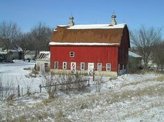 Why are all Barns Painted Red?  Because of the Physics of Dying Stars ~ #coolfacts