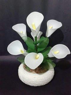 Flores media - MyKingList.com Orchid Flower Arrangements, Artificial Flower Arrangements, Beautiful Flower Arrangements, Beautiful Flowers, Nylon Flowers, Tissue Paper Flowers, Big Flowers, Burlap Flowers, Fabric Flowers