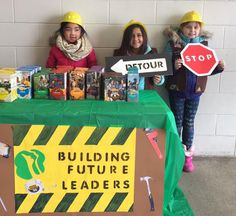 Cookie booth season is upon us! Troops are hitting up stores and community centers across western Ohio to set up tables, meet with customers, and sell some Girl Scout Cookies. Selling Girl Scout Cookies, Girl Scout Cookie Meme, Girl Scout Cookies Flavors, Girl Scout Cookie Sales, Brownie Girl Scouts, Girl Scout Law, Scout Mom, Daisy Girl Scouts, Girl Scout Leader